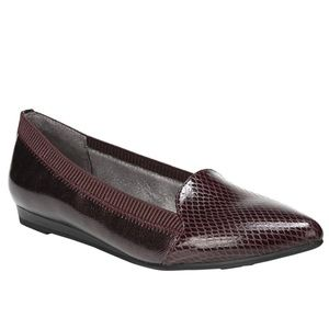 Life Stride Women's Quickstep Pointed Toe Flat